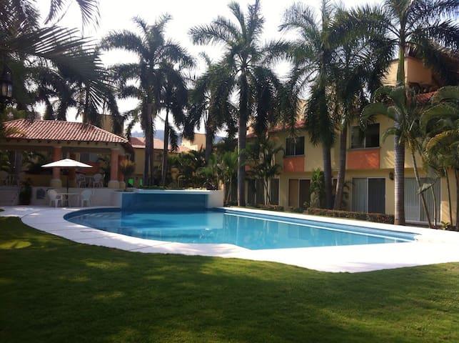 Casa en Ixtapa en zona turística