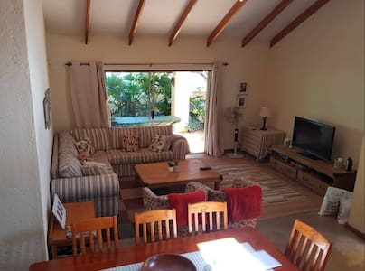Rollingstones-Self-catering Townhouse -White River