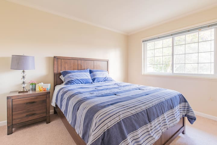 ★ Menlo Park 2BR - Perfect for Self-isolation ★