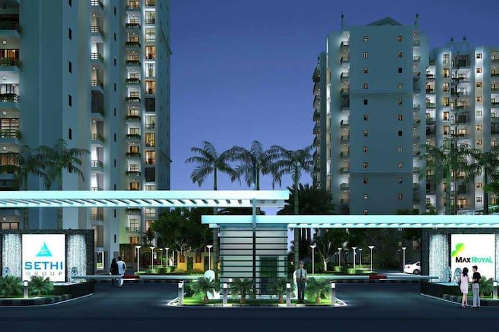 sethi max royal - Noida - Lägenhet