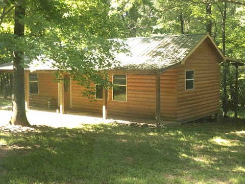 Getaway Tunica Hills Cabin! Dogs welcome