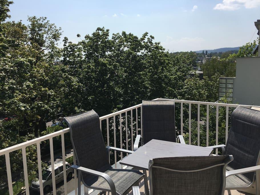 cottageviertel dachgeschosswohnung mit terrasse wohnungen zur miete in wien wien sterreich. Black Bedroom Furniture Sets. Home Design Ideas