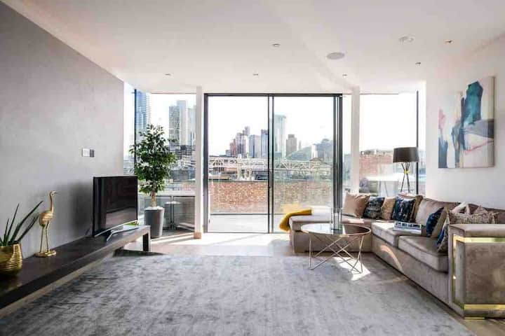 Luxury penthouse in Hoxton Square
