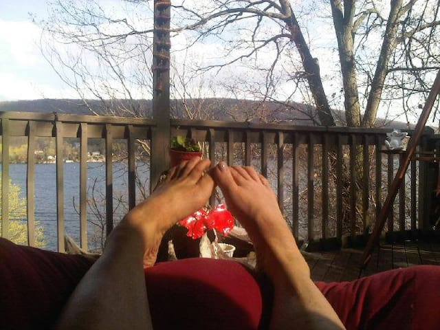 Spa & Outdoor Retreat with Shopping & Activities! - Greenwood Lake - Cabin