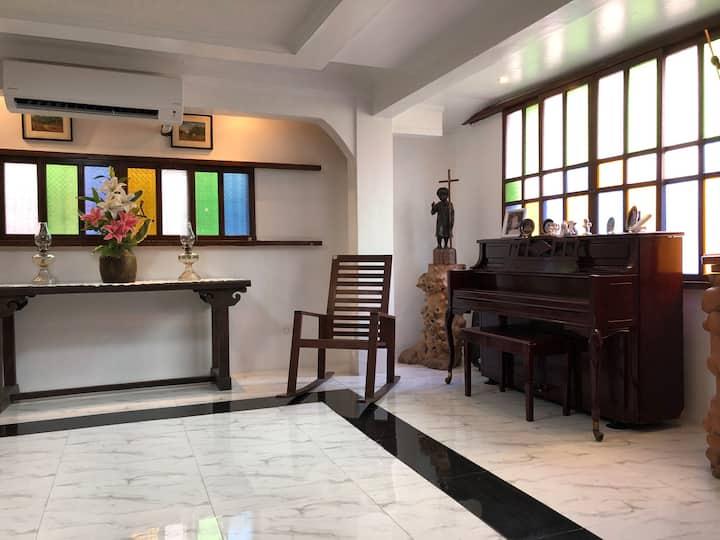 Heart of Paete Laguna, Camarero Transient House