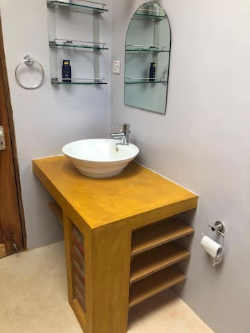 Main bathroom vanity
