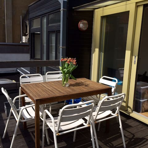 Bright apartment, sunny terrace & good location! - Gent - Daire