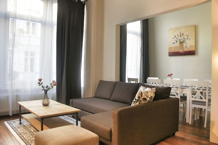 3 Bedroom Flat, City Centre, 125 sqm  max 8 people