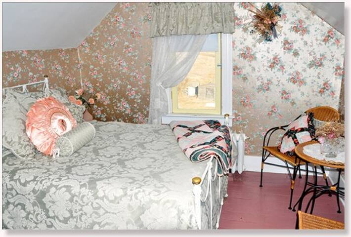 St. Ann Ranch Country Inn - Bedroom 4