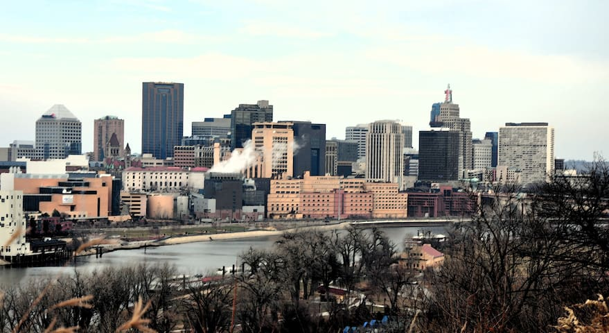 Saint Paul is just a short drive away!