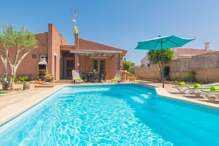 CAN CANTARI - Villa with private pool in Sa Coma. Free WiFi.