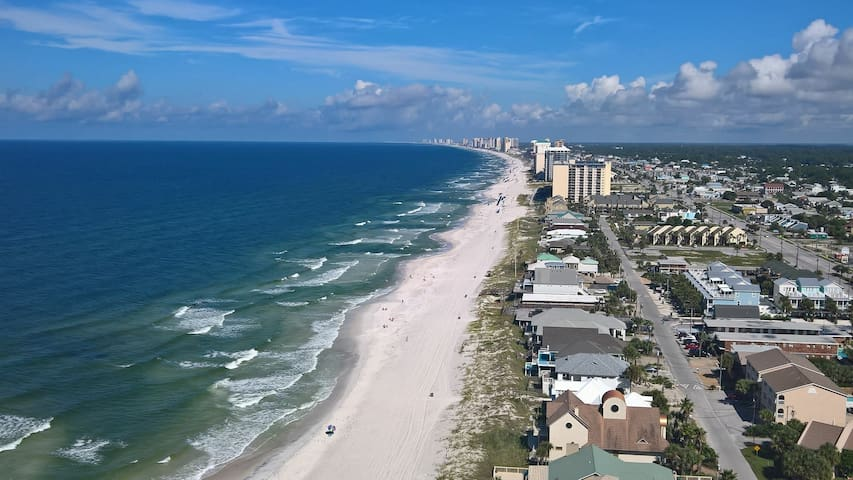 GORGEOUS BEACHFRONT 3BR/2BA! WRAP AROUND BALCONY!