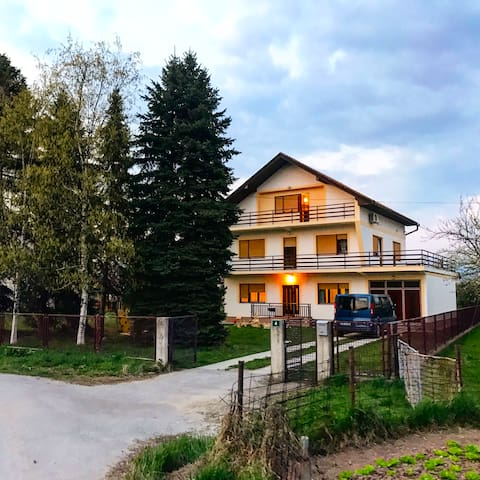 Dhabi Sweet Home, A home for family in Sarajevo