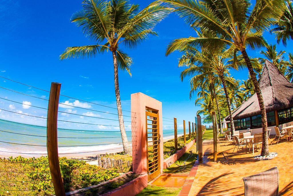 Praia/Entrada do condomínio.