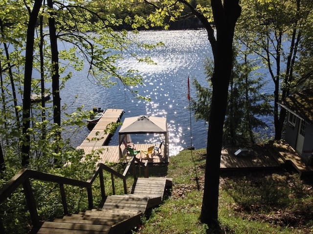 Rustic Island Retreat - Bobs Lake