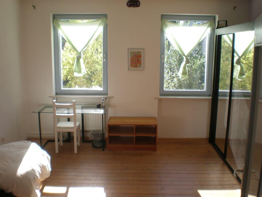 bienvenue zentrales zimmer in einem haus h user zur miete in kassel hessen deutschland. Black Bedroom Furniture Sets. Home Design Ideas
