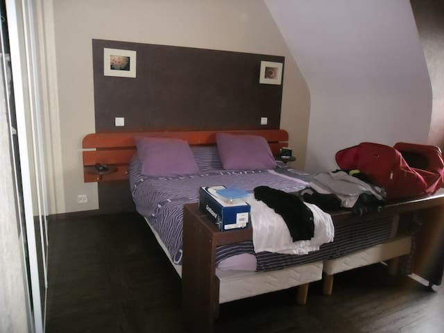 loue agrable et simpathyque chambre