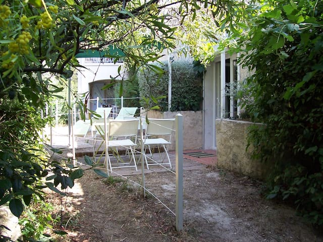 Independant appartment, quiet place - Ollioules - Appartement