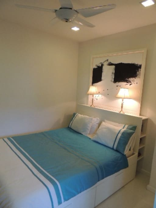 Queen size  bed with ensuite bathroom