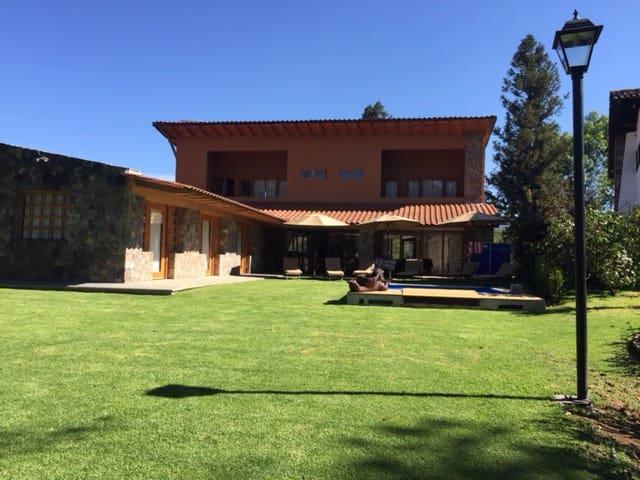 Casa de campo en Avandaro, Valle de Bravo