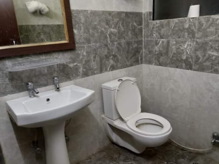 Budget Room Kiwi Hotel and Spa