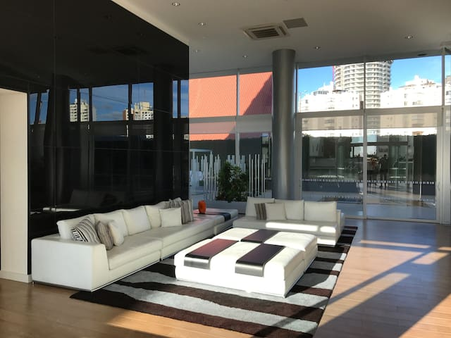 appartement moderne punta del este 5pax appartements louer departamento de maldonado. Black Bedroom Furniture Sets. Home Design Ideas