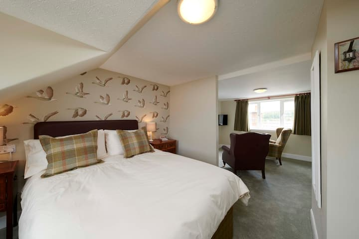 Impressive cosy suite in a former coaching inn