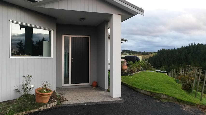 Matapouri Rural Retreat Private Apartment