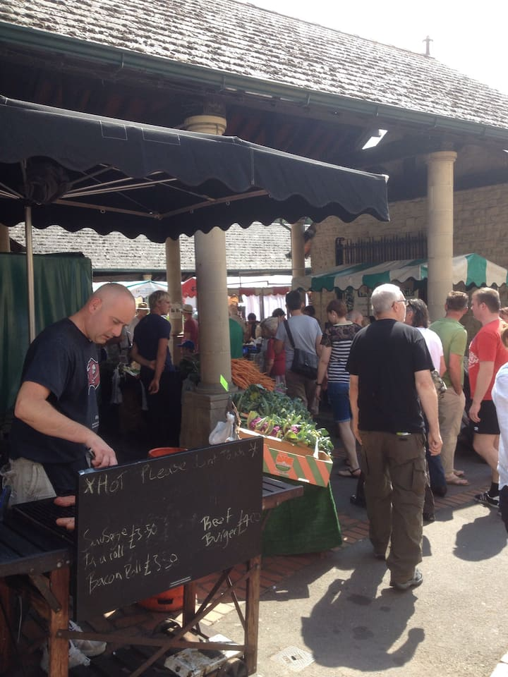 Lots of amazing food stalls selling locally sourced produce.