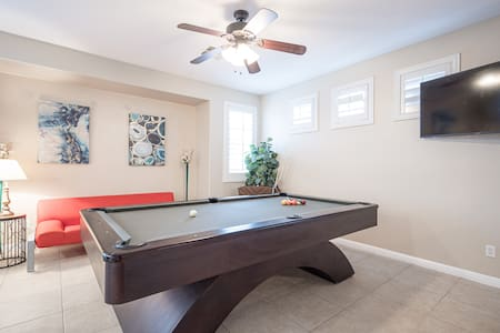 Sparkling Clean Pool/Spa Home 15 MIN FROM STRIP