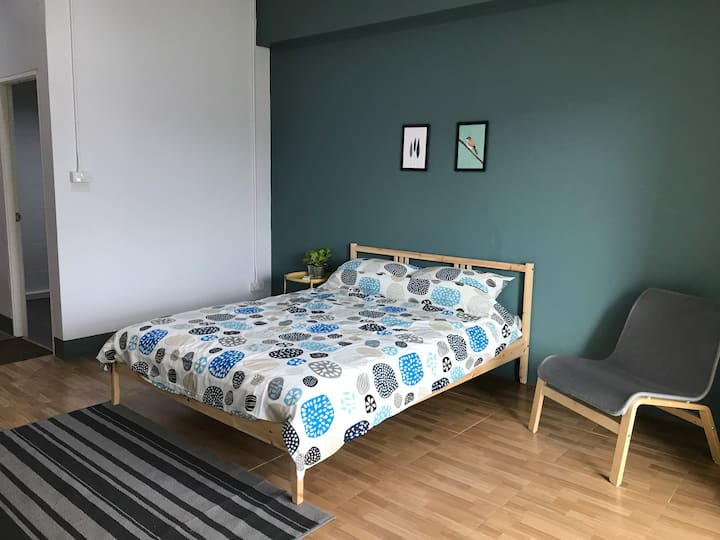 Private room ensuite, town center, walk to ALL#1