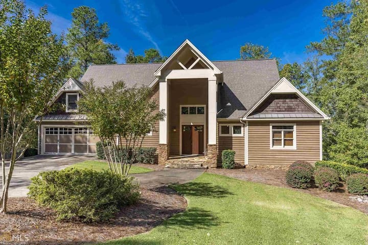 Perfect Lakefront Home for Masters Week