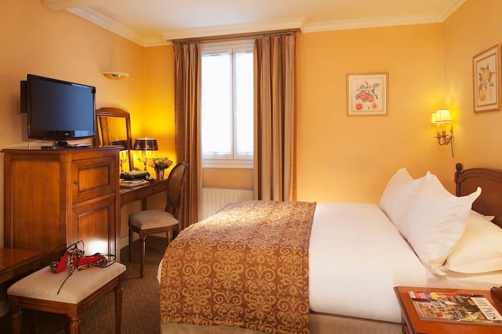 HOTEL DE VARENNE, Classic