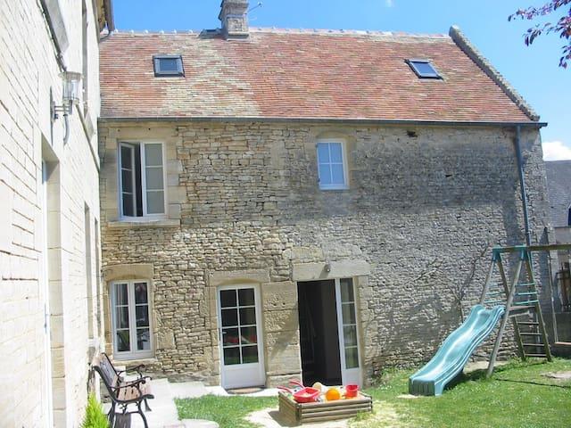 Gîte de charme entre Caen et la mer - Thaon - บ้าน