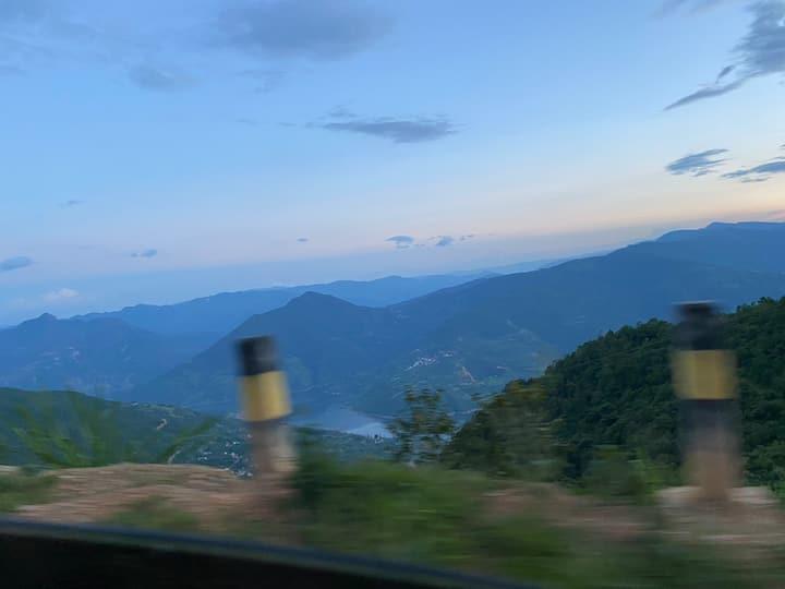 洱海天域 远山