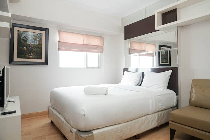 Strategic Location 1BR The Wave Apt with City View