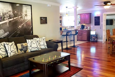 Wildcatter resting grounds, spacious  living