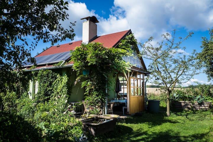 Cosy garden house - Úhonice - Haus