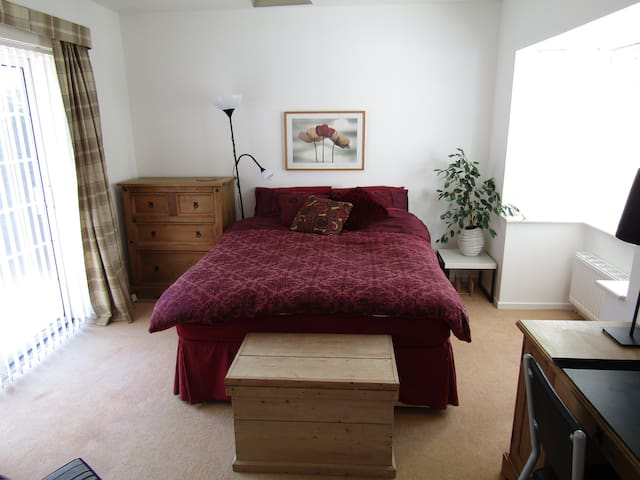 Spacious Ground Floor King Room in Bromsgrove - Bromsgrove - Dům