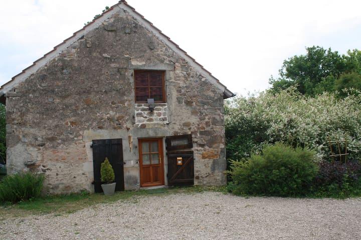 La petite maison de sandrine et jacques - Le Rousset - Huis
