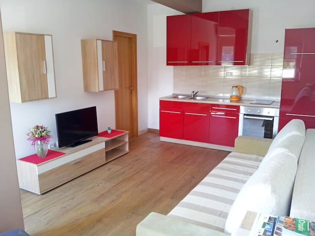 Cozy apartment in Zadar with parking space