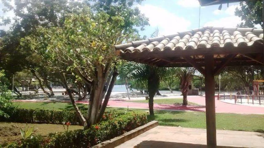 Casa em condomínio fechado em Barra de Jacuipe - Jacuípe - Ev