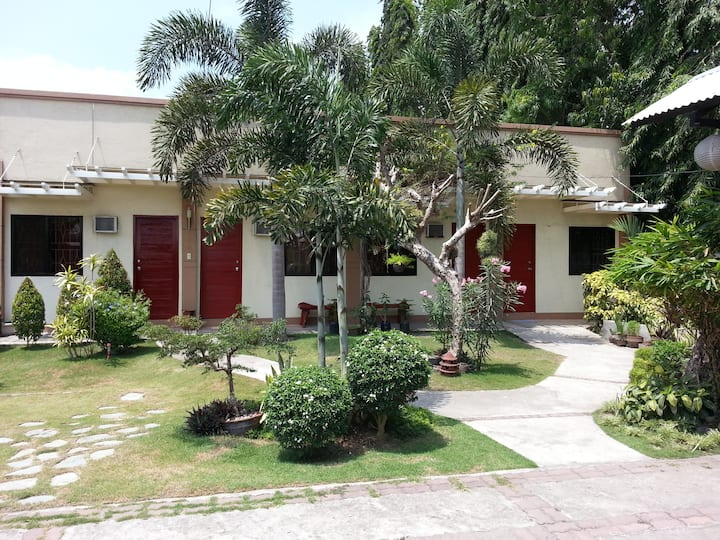 Coralynn's Garden Home Suites 1