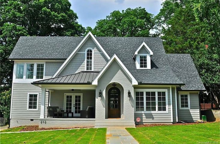 Fully Renovated Myers Park 6bd Home for 2020 RNC!