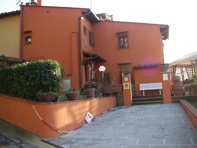 TOSCANA- casa vacanza saccuccio - San Miniato - 獨棟