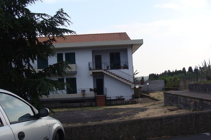 ottimo appartamento indipendente - Santa Venerina - Apartment