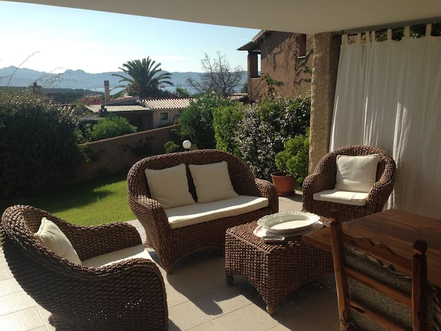 Casa sul mare, Baja Sardinia - Mucchi Bianchi - House