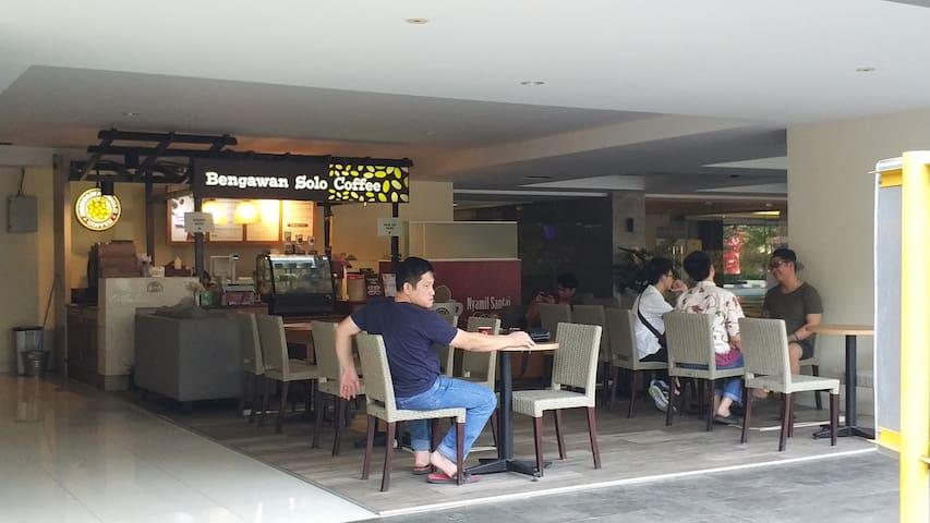 Coffee Shop @ Fontana Lobby