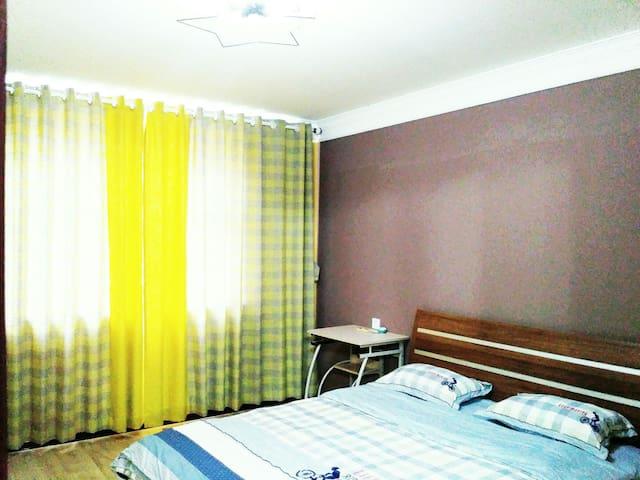 卧室(白天)