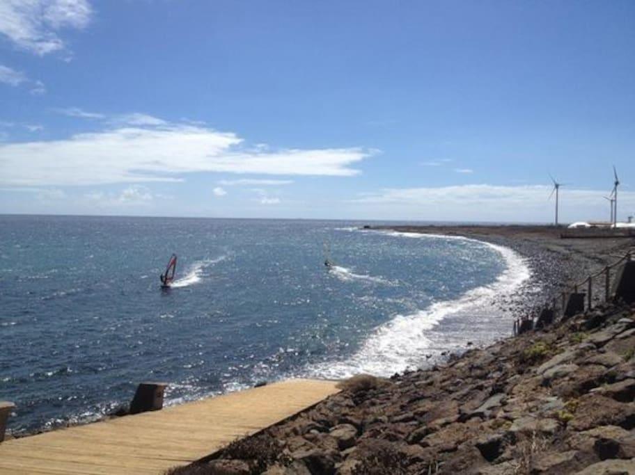 Playa de Pozo Izquierdo. 30 minutos a pie